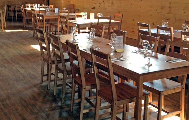 CC-cafe-table