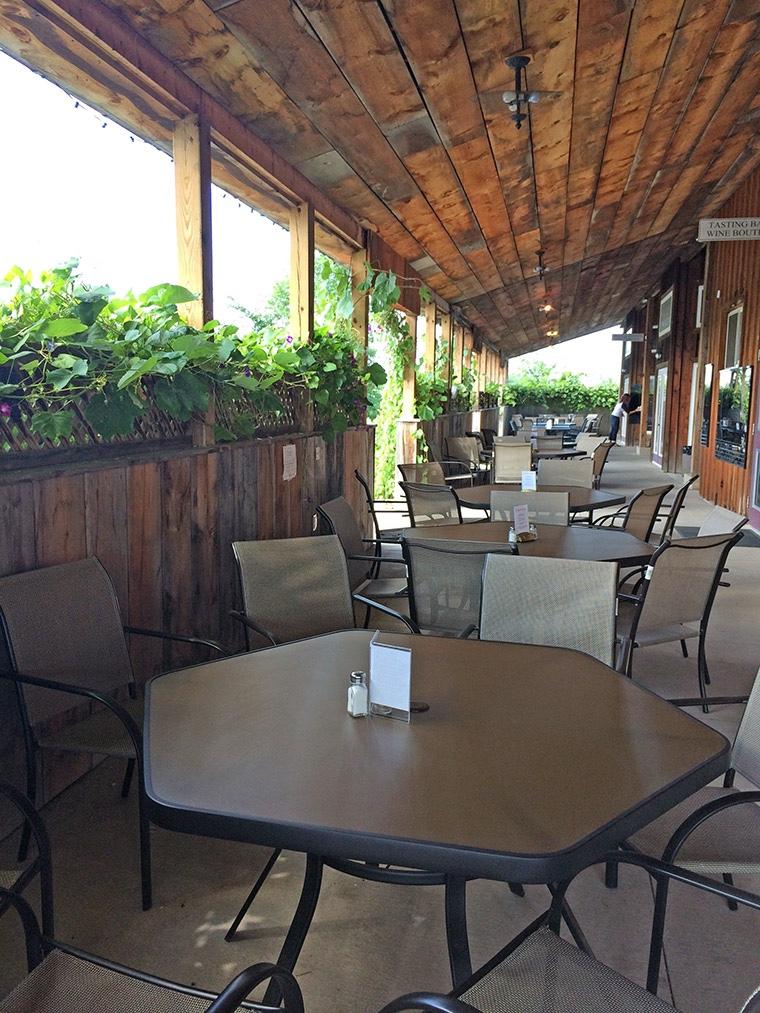 Caroline Cellars lush patio